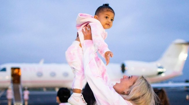 Rayakan Ulang Tahun, Kylie Jenner Sewa Kapal Pesiar Super Mewah