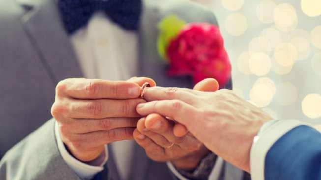 Gereja Katedral Ini Legalkan Pernikahan Sesama Jenis