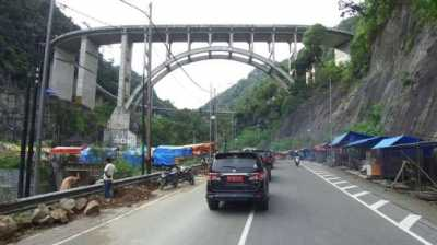Jalur Mudik Lintas Sumatera Bergelombang dan Gelap