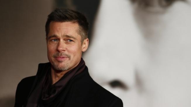 Brad Pitt Dikabarkan Dekat dengan Sat Hari Khalsa, Sudah Move On?