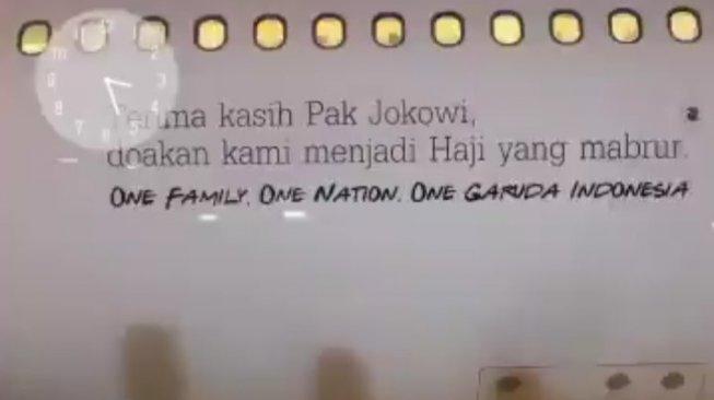 Ada Tulisan Terima Kasih Pak Jokowi di Pesawat, Ini Kata Garuda Indonesia
