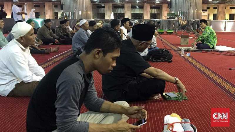 Merayakan Kesyahduan Akhir Ramadan di Istiqlal
