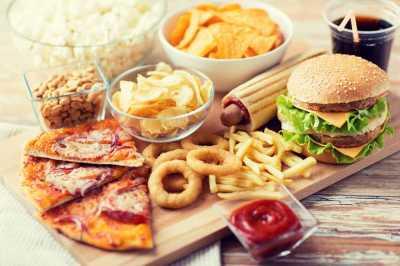 4 Jenis Makanan yang Wajib Dihindari Pasien Kanker
