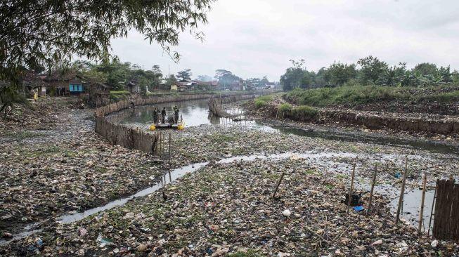 Begini Taktik Ridwan Kamil Jadikan Citarum Jadi Sungai Terindah
