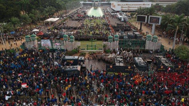 Jokowi Panggil Menristek ke Istana soal Demo Mahasiswa dan Anak STM Rusuh