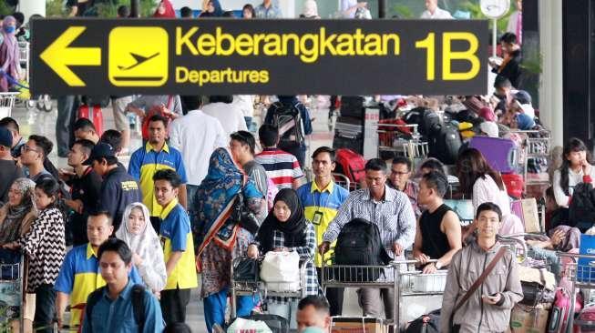 Bandara Soekarno-Hatta Kembali Mengungguli Bandara Changi
