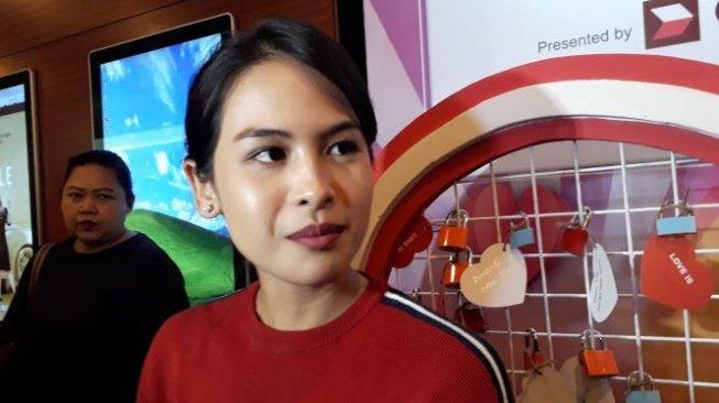 Bakal Kangen Indonesia, Maudy Ayunda Ngaku Bawa Guling ke AS