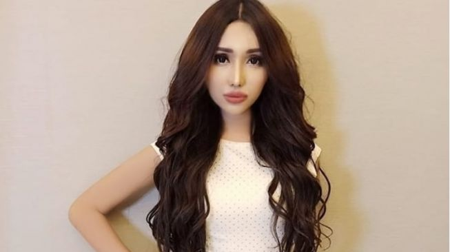 Lucinta Luna Disebut Mirip Sandra Dewi