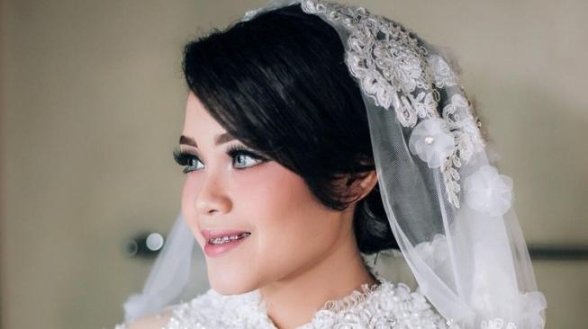 Jarang Terekspos, Istri Komedian Babe Cabiita Cantik Banget