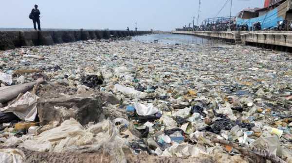 Keren! Mahasiswa UI Ciptakan Ramuan Khusus Penghilang Bau Sampah