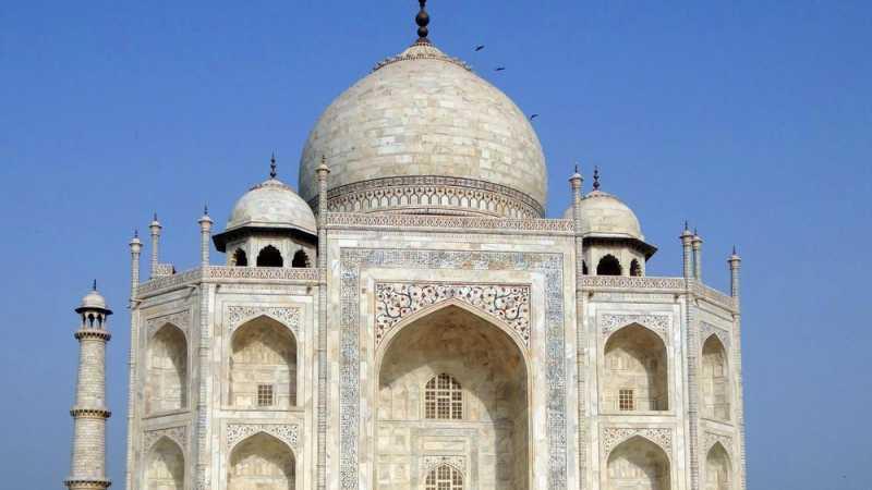 Taj Mahal Berubah Warna Gara-gara Polusi