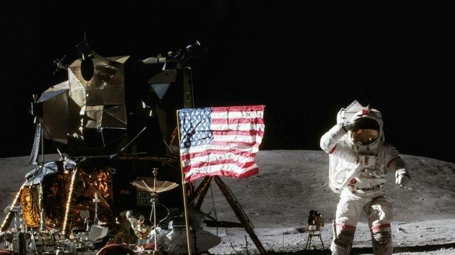 Rekaman Asli Misi Apollo 11 di Bulan Dilelang Seharga Rp 13,96 Triliun