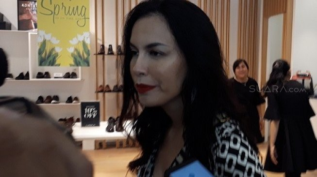 Klarifikasi Sophia Latjuba Dipacari Gading Marten