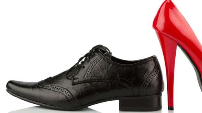 Sepatu Hak Tinggi Lelaki