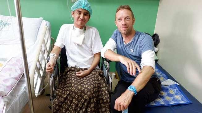 Gagal Nonton Coldplay, Pria Ini Malah Disambangi Chris Martin