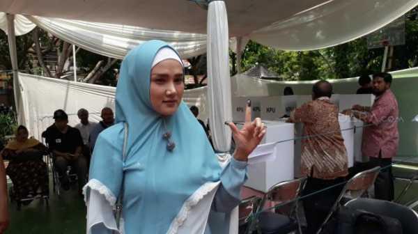 Mulan Jameela Sudah Biasa Nyoblos Tanpa Ahmad Dhani