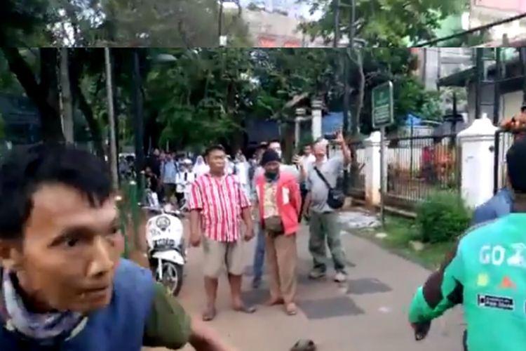 Viral, Aksi Damai Kembalikan Fungsi Trotoar Diteror Oknum