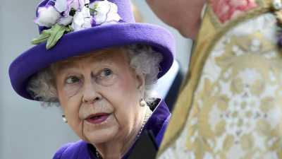Alasan Ratu Elizabeth II Selalu Pakai Baju Warna Cerah