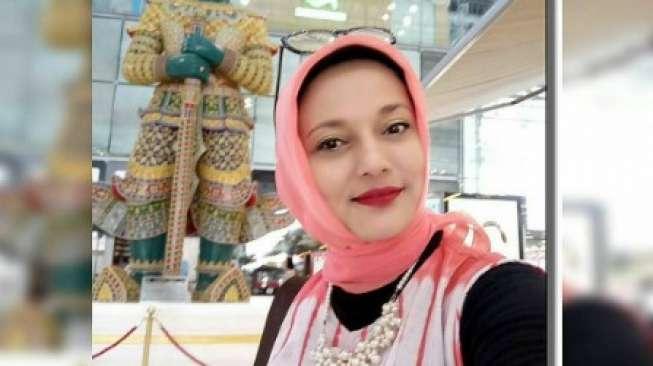 Seminggu di Thailand, Marissa Haque Kejar Gelar Professor