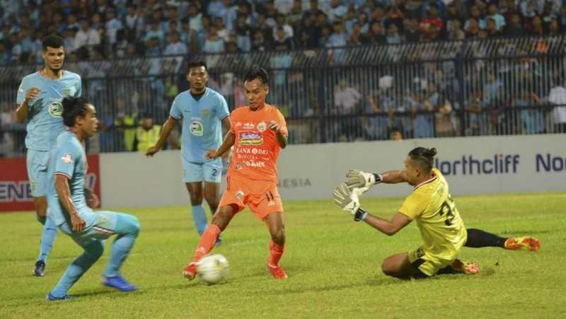 Berlangsung 117 Menit, Persela vs Borneo Berujung Kontroversi