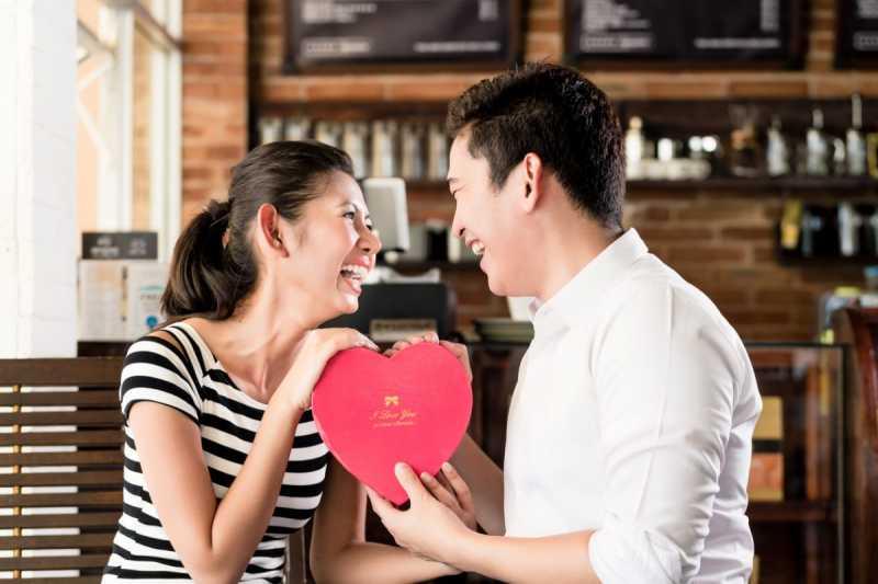 5 Tanda Anda dan Pasangan Menjalani Hubungan Asmara yang Bahagia