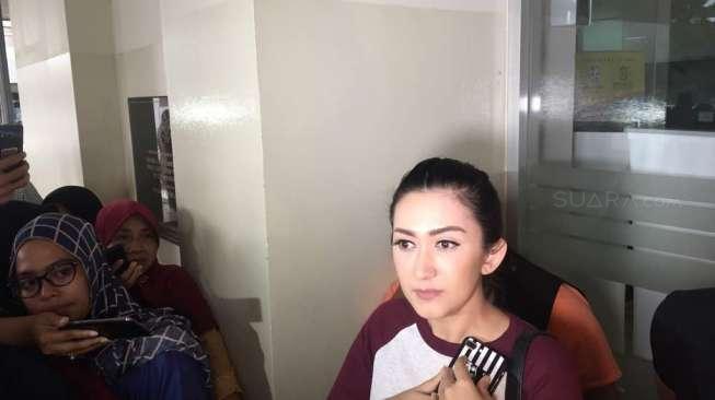 Nafa Urbach Ngamuk Paedofil Komentari Putrinya