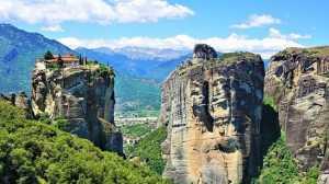 Terbentuk Jutaan Tahun, Potret Cantiknya Negeri Seribu Gunung, Meteora