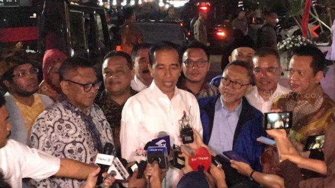 Jokowi ke Pemilik Mal: Sepatu Buccheri Saya Cuma Rp 415 Ribu