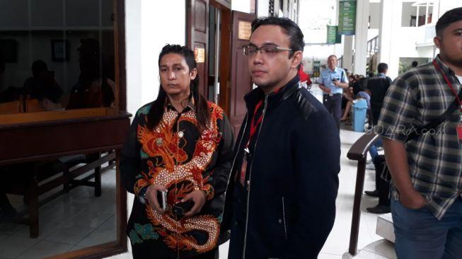 Sandy Tumiwa - Tessa Kaunang Jalani Sidang Gugatan Hak Asuh Anak