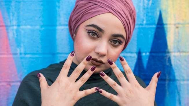 Cat Kuku Halal, Tren Terkini bagi Perempuan Muslim