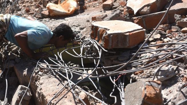 Gempa Lombok, Anjing Pelacak Cari Korban yang Masih Terkubur