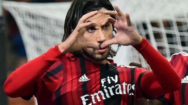 Memilukan, Eks Bek Milan Ini Cari Klub via Situs Kerja Linkedln