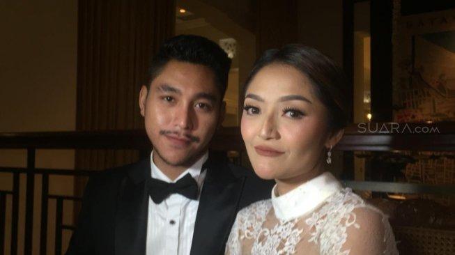 Ogah Tanggapi Netizen Soal Foto Seksi, Siti Badriah: Kenal Juga Enggak