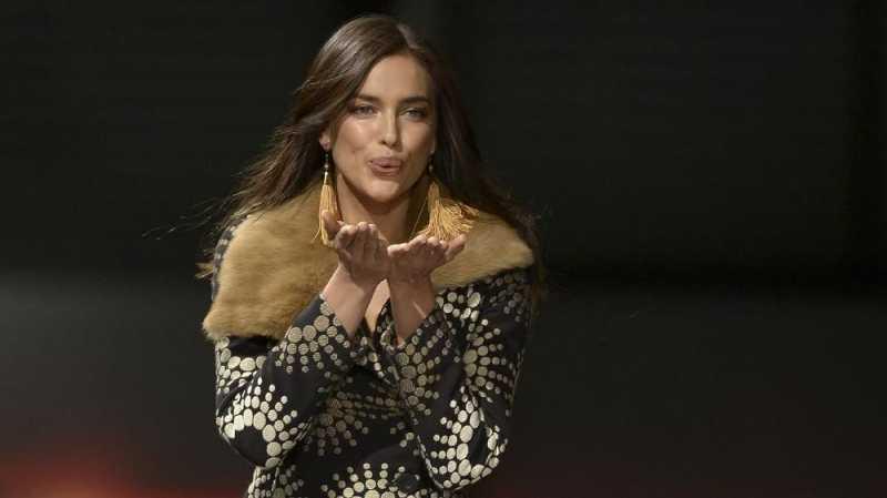 Irina Shayk Mejeng di Catwalk usai Putus dari Bradley Cooper