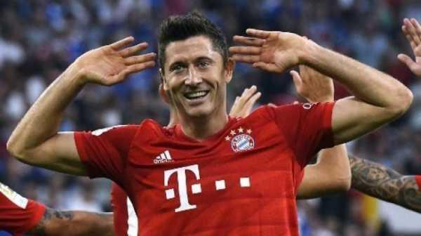 Bayern Munich Libas Schalke 3-0 Lewat Hat-trick Robert Lewandowski