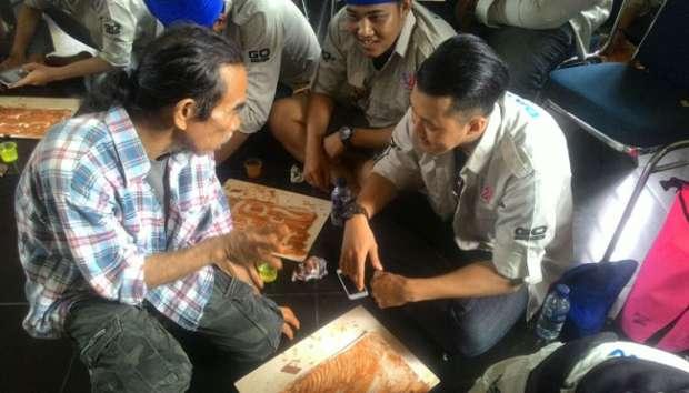 Datsun Promosikan Pelukis Langka Makassar