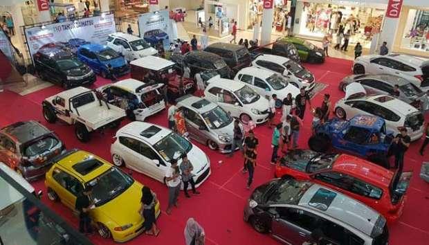 Kontes Modifikasi Mobil Daihatsu Ramaikan Mataram