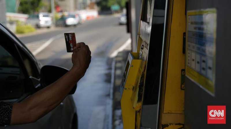Arus Libur, Petugas Tol Bisa Pinjamkan e-Toll ke Pengguna