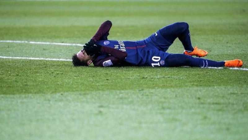 Neymar Menangis Ketika Tahu Gagal Kembali ke Barcelona