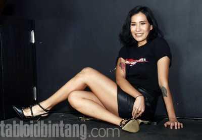Tiara Eve Ditendang dan Ditampar Tio Pakusadewo