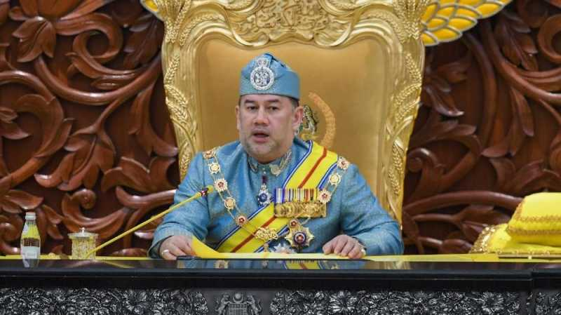 Mantan Raja Malaysia Dilaporkan Akan Ceraikan Eks Miss Moscow