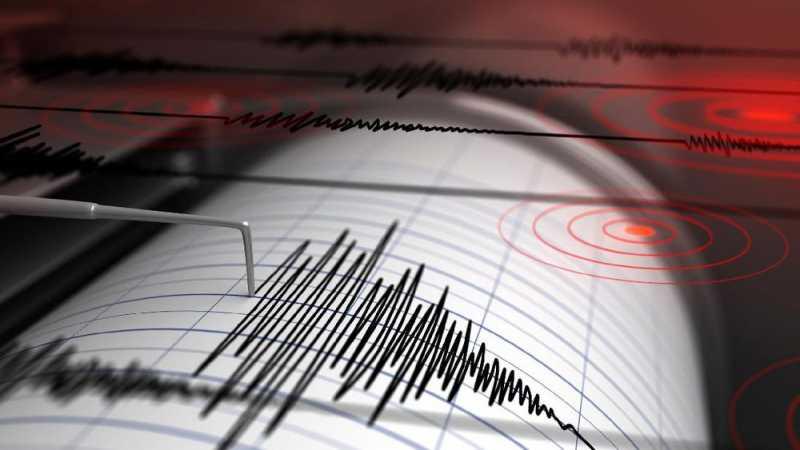 Warga Bengkulu Berhamburan Diguncang Gempa 6,4 SR
