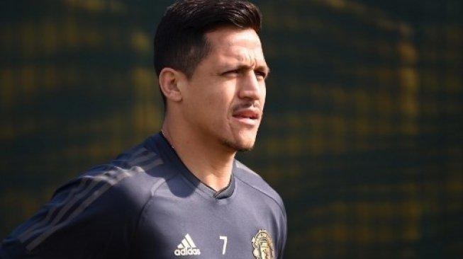 Tandang ke Barcelona, MU Bawa Alexis Sanchez dan Nemanja Matic