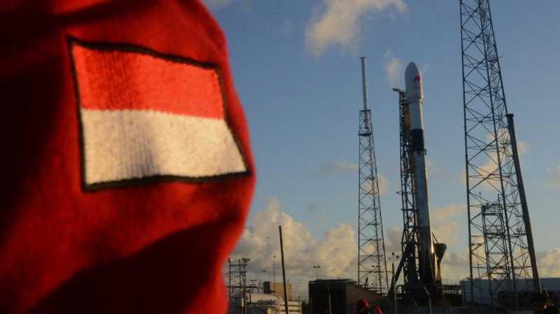 Alasan di Balik Peluncuran Satelit Merah Putih di Malam Hari