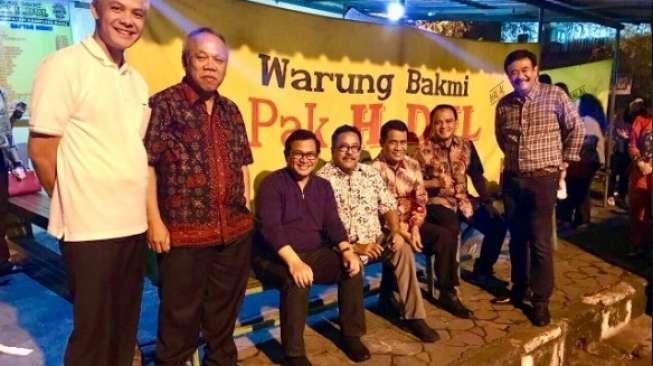 Di Sela Jokowi Mantu, Istri Ahok Makan di Pinggir Jalan