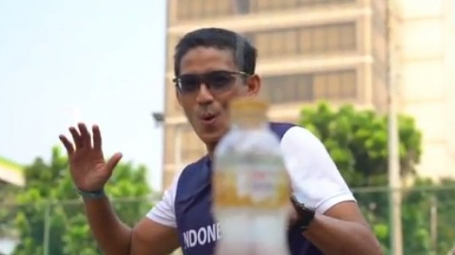 Sandiaga Bottle Cap Challenge, Di-bully karena Tepergok Videonya Editan