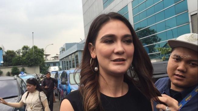 Luna Maya Minta Kebodohannya Rekam Film Aladdin Jangan Ditiru