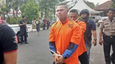 Finalis Indonesian Idol Ditembak Polisi