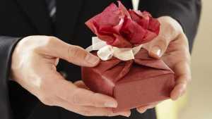 Perempuan Tak Suka Diberi Bunga Saat Valentine