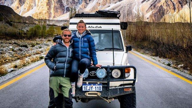Main Drone Tanpa Lisensi, Pasangan Traveler Mendekam di Penjara Iran